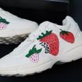 Giày Sneakers Gucci Rhyton Hình Dâu