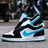 Giày Nike Air Jordan 1 Low White Black Island Green