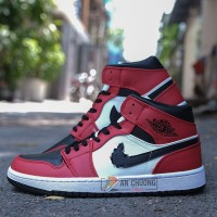 GIÀY NIKE AIR JORDAN 1 MID CHICAGO TOE